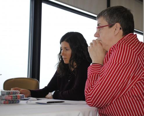 (de gauche à droite) Alexa Chow, Patrimoine canadien et Raymonde Laberge, ministère de l'Éducation, de la Culture et de la Formation des Territoires du Nord-Ouest